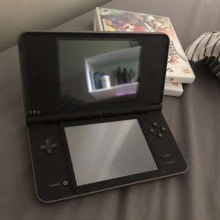 Nintendo DS XL + 2 games