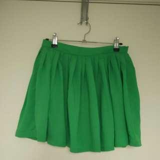 Green Short Puffy Skirt Size 8