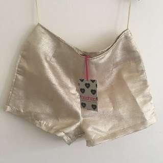 Boohoo metallic tailored shorts gold