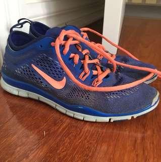 Nike free run tri fit 4