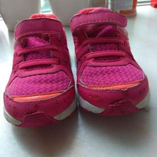七成半新DR. Kong女童鞋,