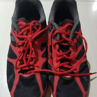 Size 8 Airmax shoes