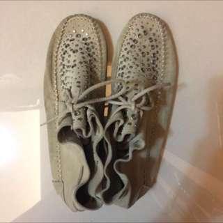 ZARA 麂皮平底鞋