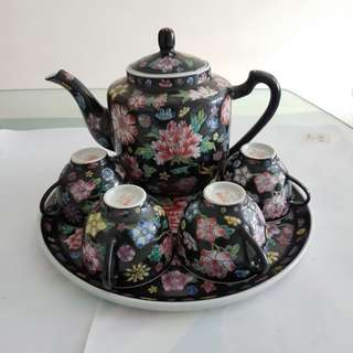 Vintage Thousand Flowers teapot set