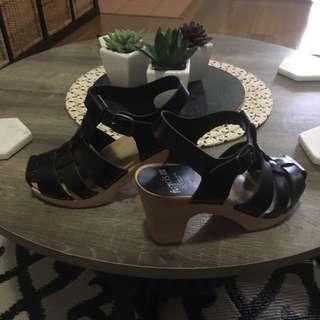 Funkis size 36 (Au 6 - 6.5) size shoes