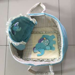 Moses Basket / Baby Carrier