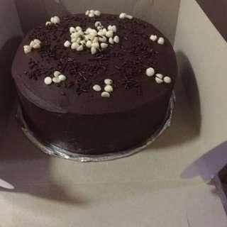 Moist chocolate cake w/ganache