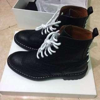 Givenchy comando boot