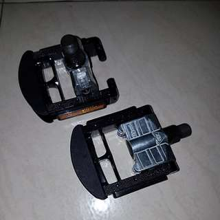 Folding bicycle pedals,very good condition