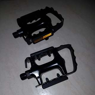 Steel pedals like new