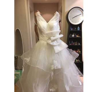 95% New Wedding Gown/ Dress with butterfly knot at the front