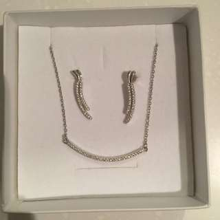 MAGNOLIA Silver jewellery necklace and earring set