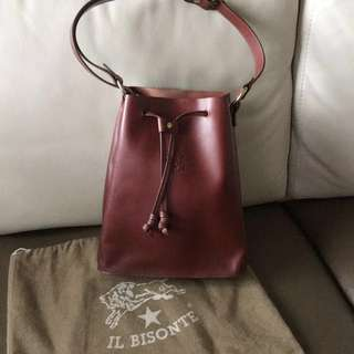 全新 IL Bisonte bucket bag 水筒袋