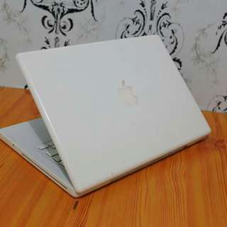 For Sale: Macbook Core2Duo 13in Laptop!