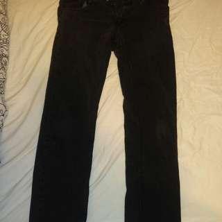 Black Levi's Mom Jeans