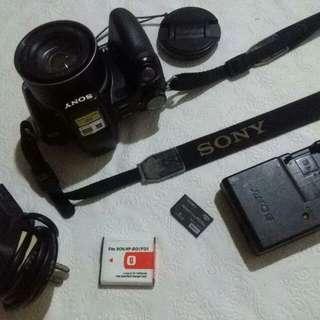 Sony model no. DSC-H50 digital still camera D33021
