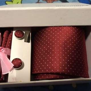 領呔+袋巾+袖口鈕