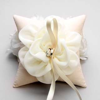 Ring pillow, bridal ring pillow, flower ring pillow, wedding - Adina by louloudimeli (handmade from South Korea)