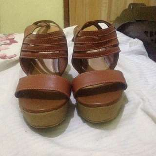 Brown Wedges The sandals