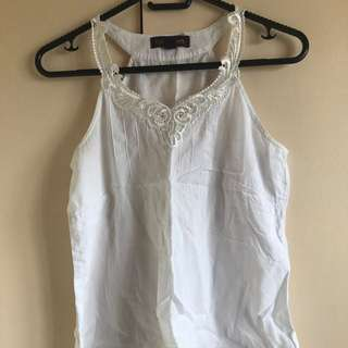 Plains & Prints white top with lace lining