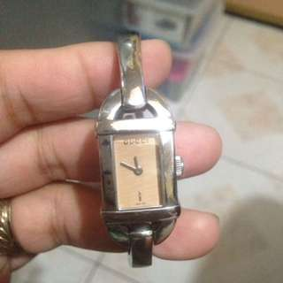 Authentic GUCCI watch( Repriced)