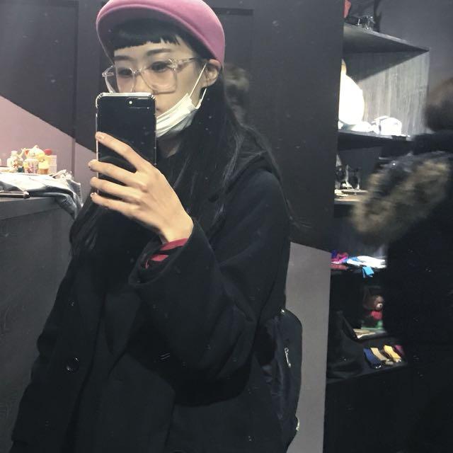 古著粉色帽子