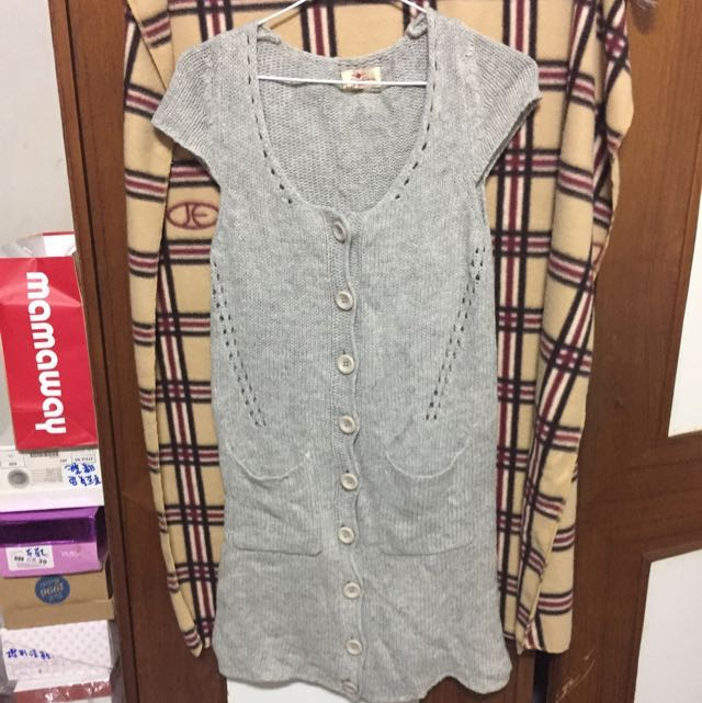 針織上衣、長版連身裙