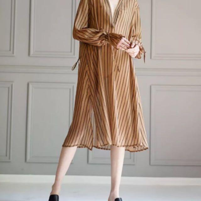 典雅芥黃黑線透視垂墜感洋裝