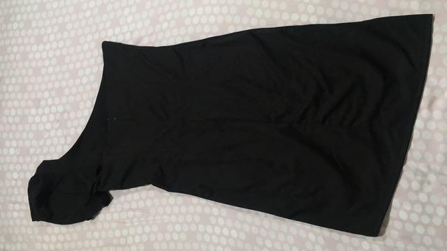 黑色斜肩洋裝