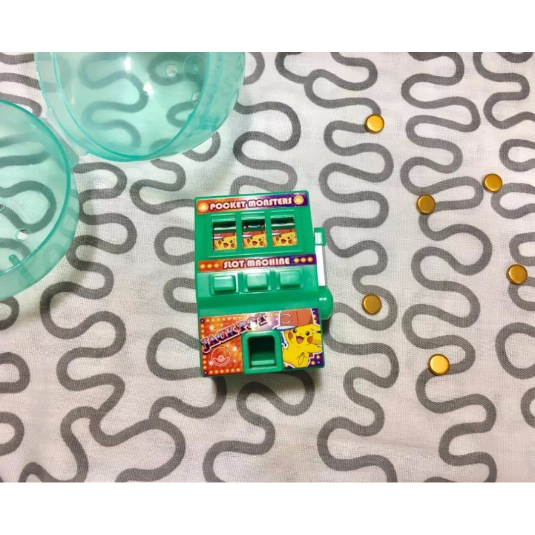 現貨 精靈寶可夢 神奇寶貝 皮卡丘拉霸機 扭蛋 轉蛋--綠色已貼貼紙