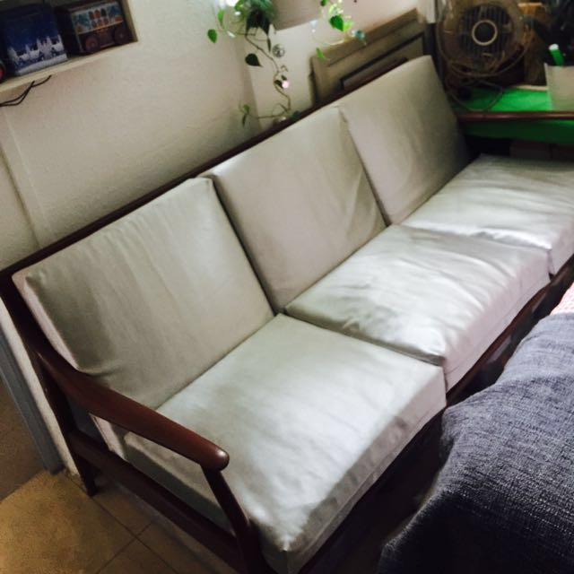 A Solid Wood Old School 3 Seater Sofa Furniture Sofas On Carousell