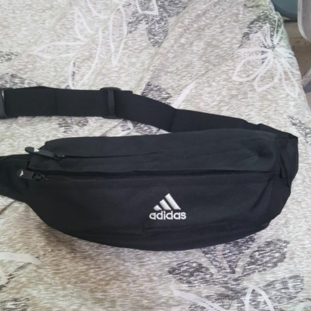 adidas側背包