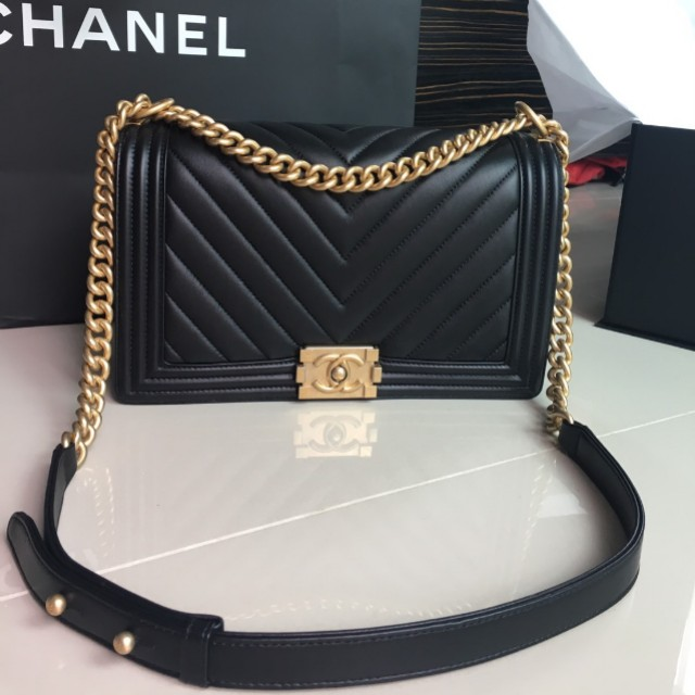 Authentic Chanel Boy New Medium 28cm Luxury Bags Wallets On Carou