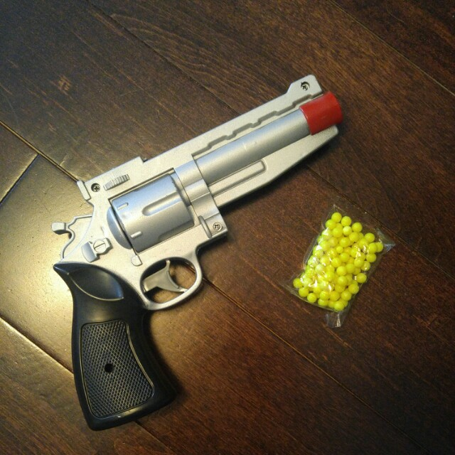 BB gun pistol with pellets + toy gun