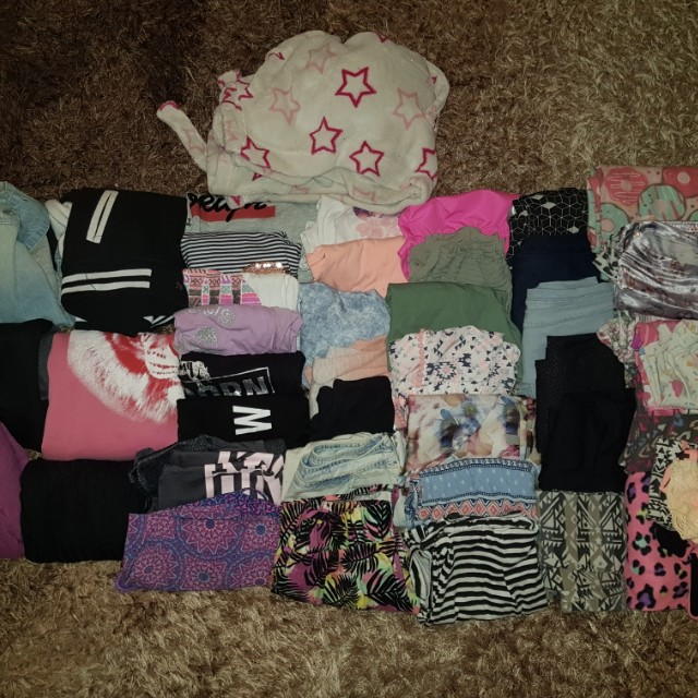 Bulk girl's clothing