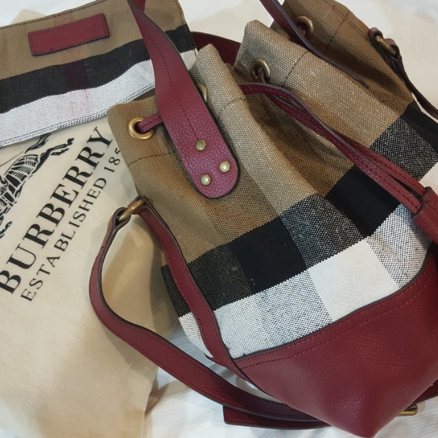 Burberry Canvas Bag, Luxury, Bags   Wallets on Carousell 553432152d