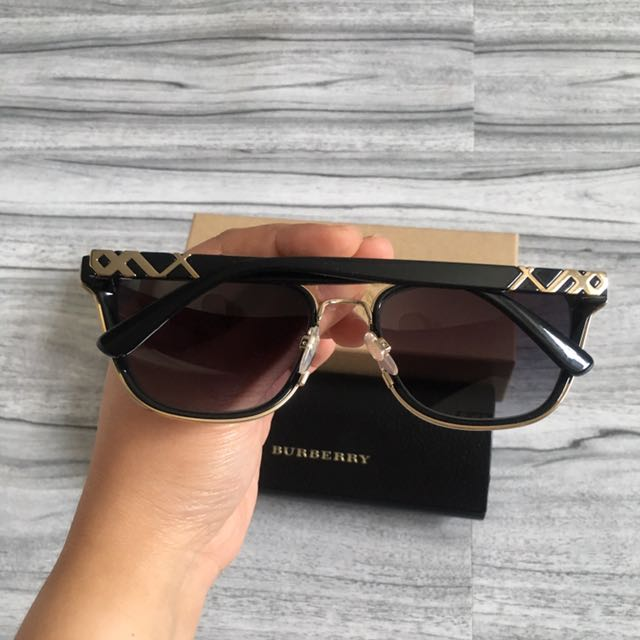 Burberry sun glasses B4240 unisex
