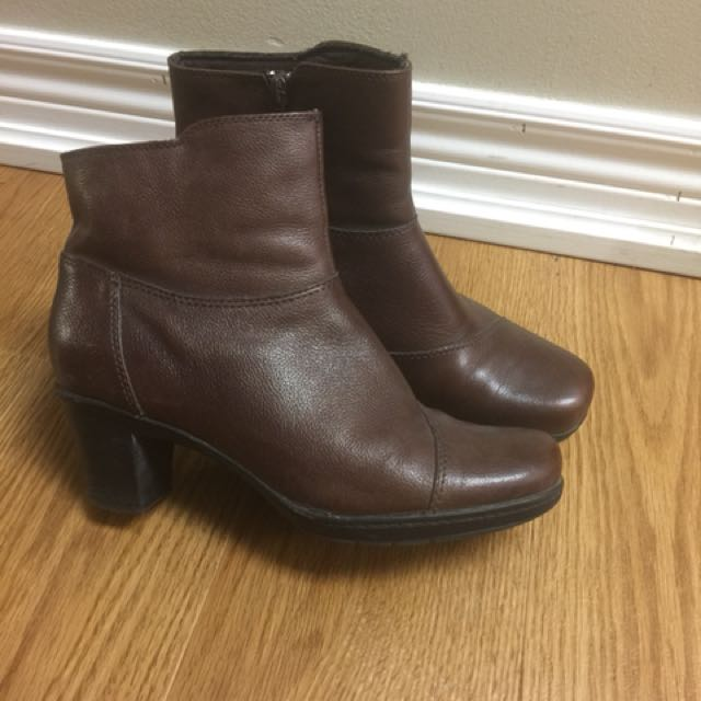 Clarks leather boots size 8.5