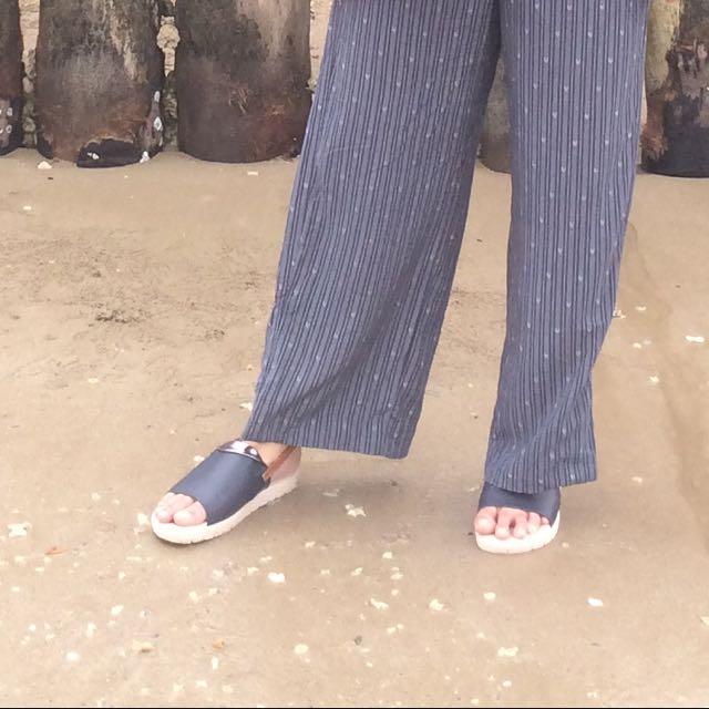 Cozy dark blue sandals
