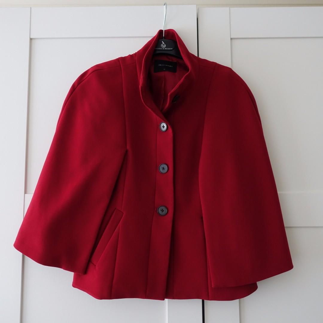 Cute red cape (size 6)