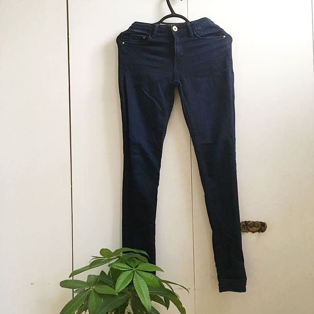 Dark Wash Skinny Midrise Jeans size 6