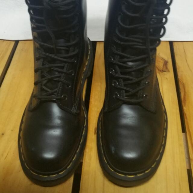 Doctor Marten's Shoes 14 Holes Limited