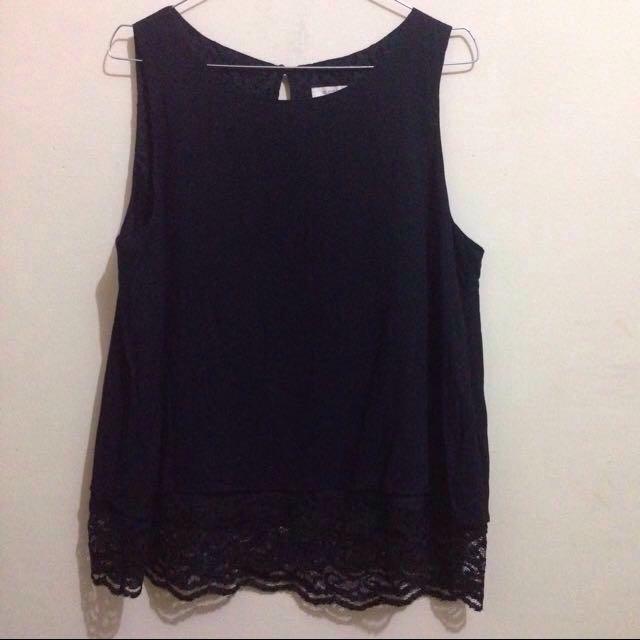 Et cetera black sleeveless blouse