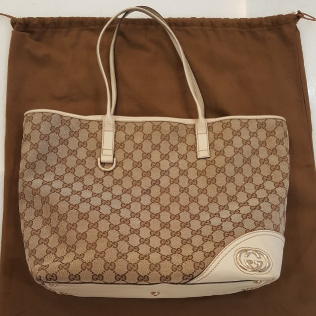 6b8a5055c4b9 Gucci Beige GG Canvas Tote Bag, Women's Fashion, Bags & Wallets on ...