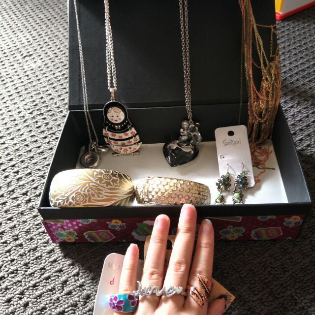Jewellery Box Inc Jewelleries