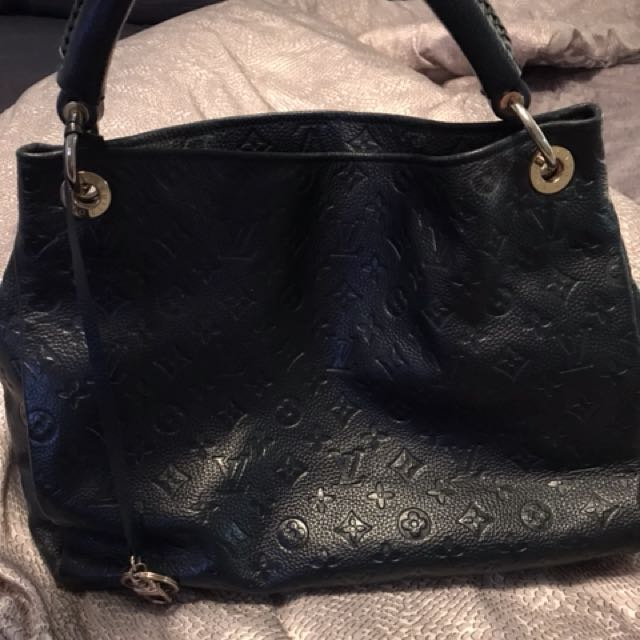 Louis Vuitton navy blue artsy AAA quality