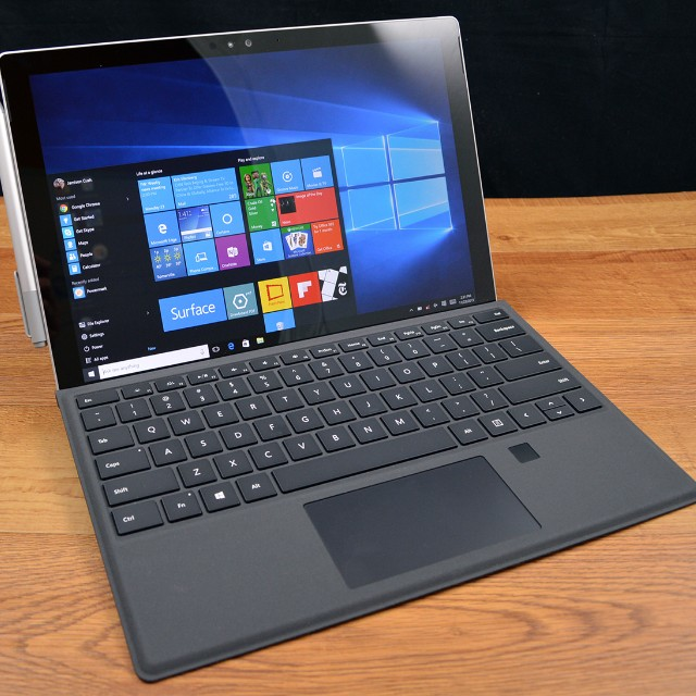 Microsoft Surface Pro 4 i7, 256Gb, 8gb ram), Electronics