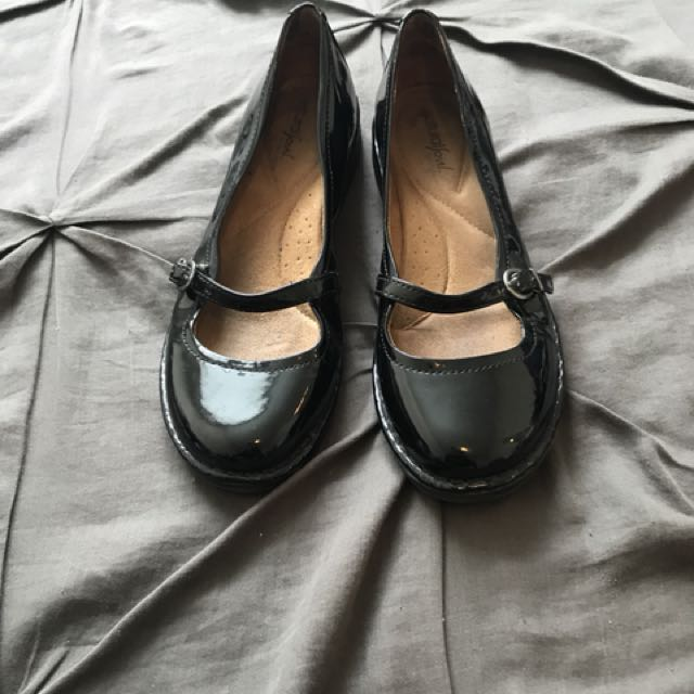 Naturalizer black patent Mary-Janes, size 7.5