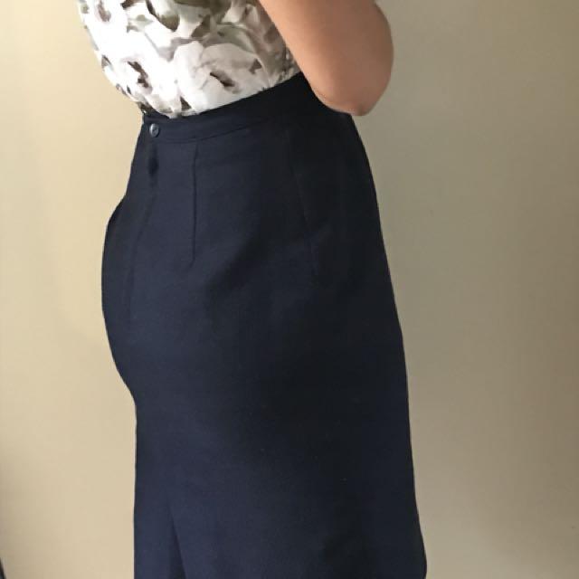Navy blue skirt, size 2