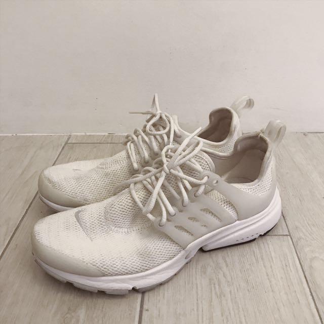 Nike Presto White (Size 7)